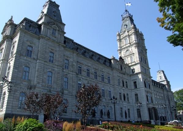 Privé : Projet de loi no 176 modifiant la Loi sur les normes du travail – Le Regroupement des aidants naturels du Québec sera présent le 18 mai à la Commission de l'économie et du travail