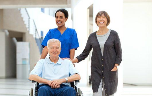 Pourquoi les proches aidants doivent être considérés comme de véritables partenaires de soin ?