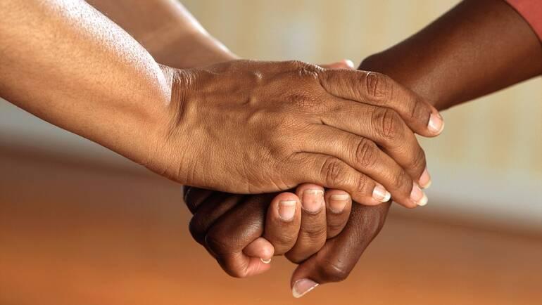 Le RANQ souligne un moment historique pour les proches aidants